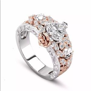 Jewelry - 💐 White Topaz Triangle Cut with Gold Roses in 925